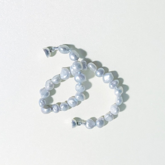 Sophie Anne Designs Jewelry - Grey Pearl bracelet